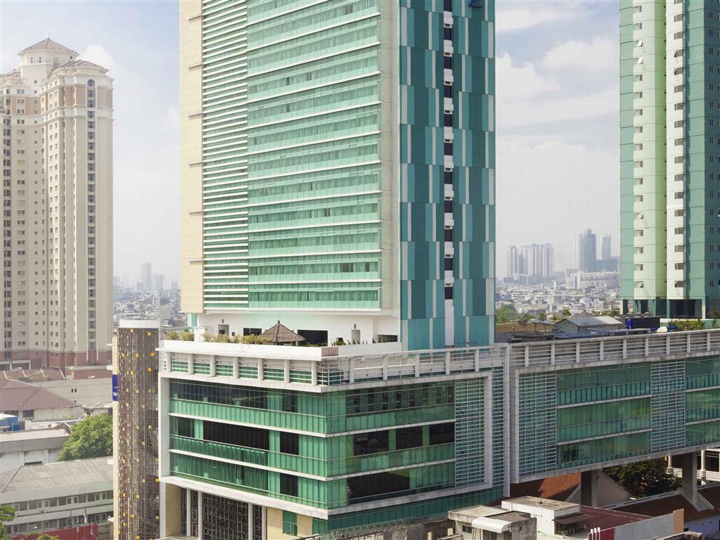 Novotel Jakarta Gajah Mada Hotel