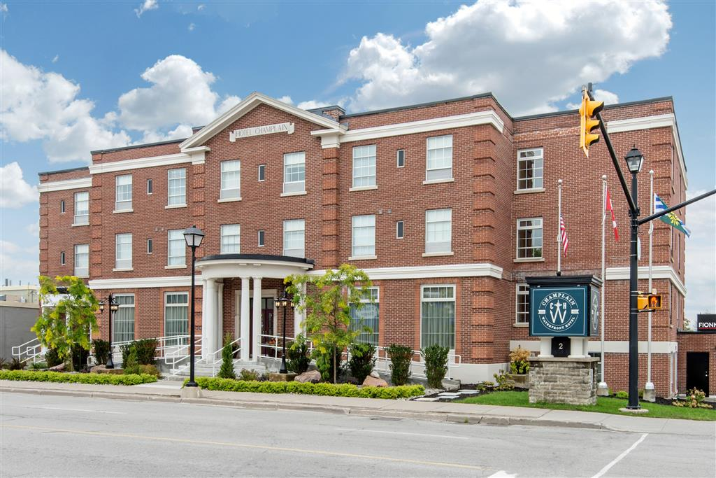 The Champlain Waterfront Hotel, An Ascen