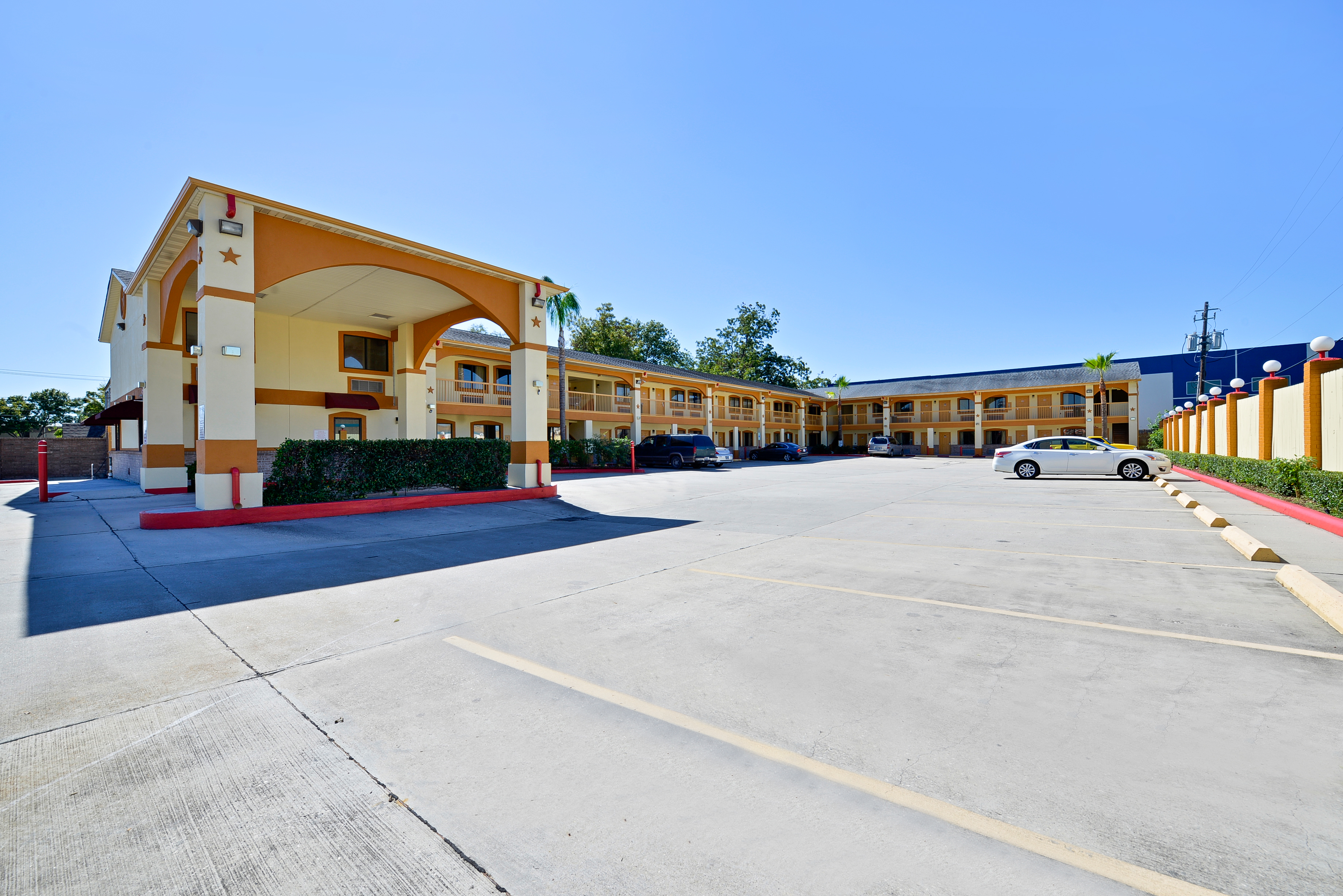 Americas Best Value Inn I-45 / Loop 610