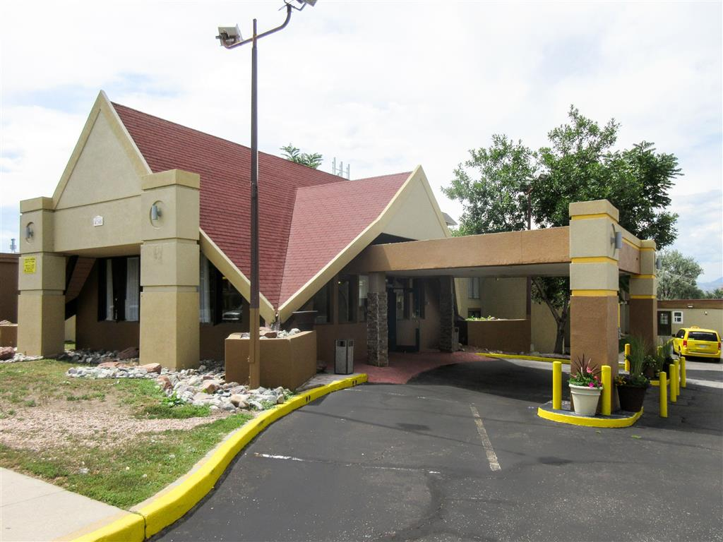 Rodeway Inn And Suites Denver
