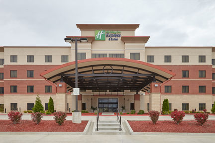 Holiday Inn Exp Stes Univ Area