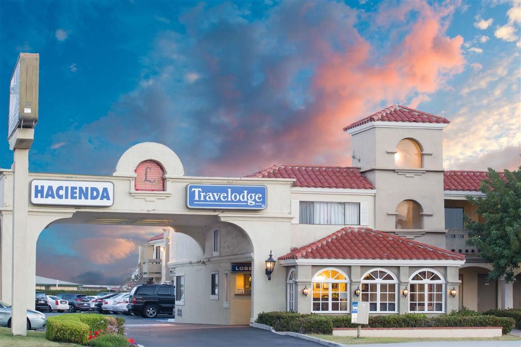 Travelodge Costa Mesa - Newport Beach Hacienda