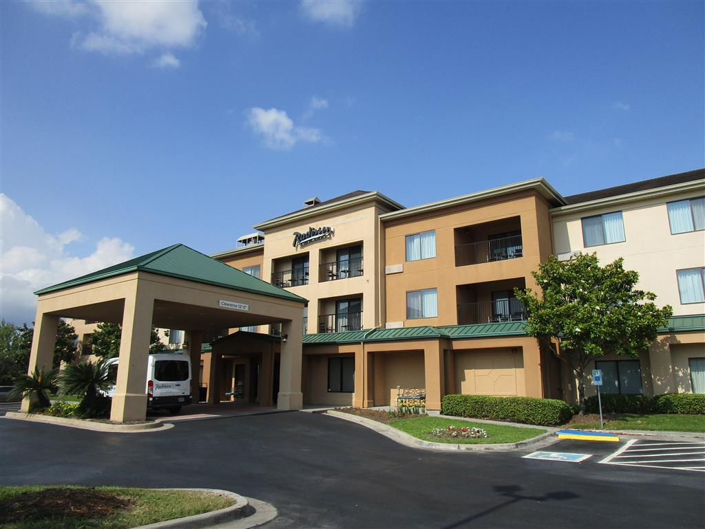 Courtyard By Marriott Houston North