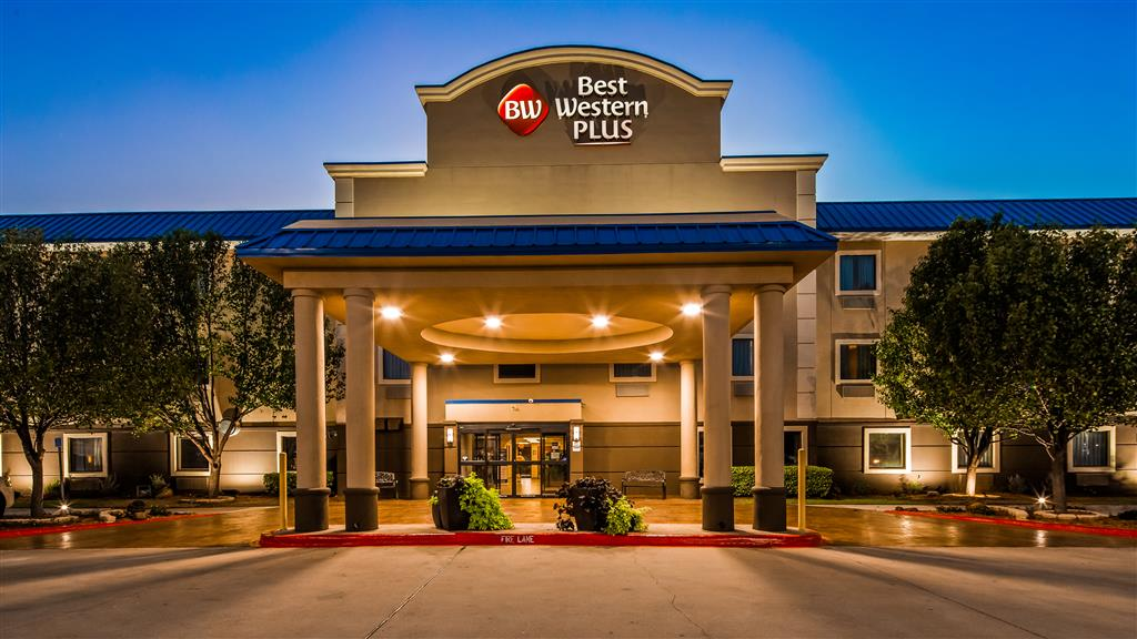 Bw Plus University Inn Suite