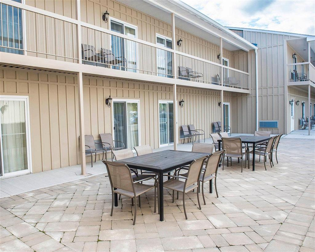 COMFORT INN AND SUITES THOUSAND ISLANDS