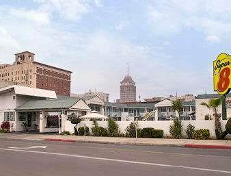 Super 8 Fresno Convention Center