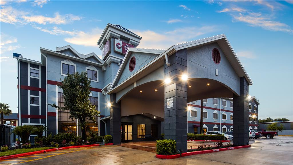 Best Western Plus Northwest Inn & Suites