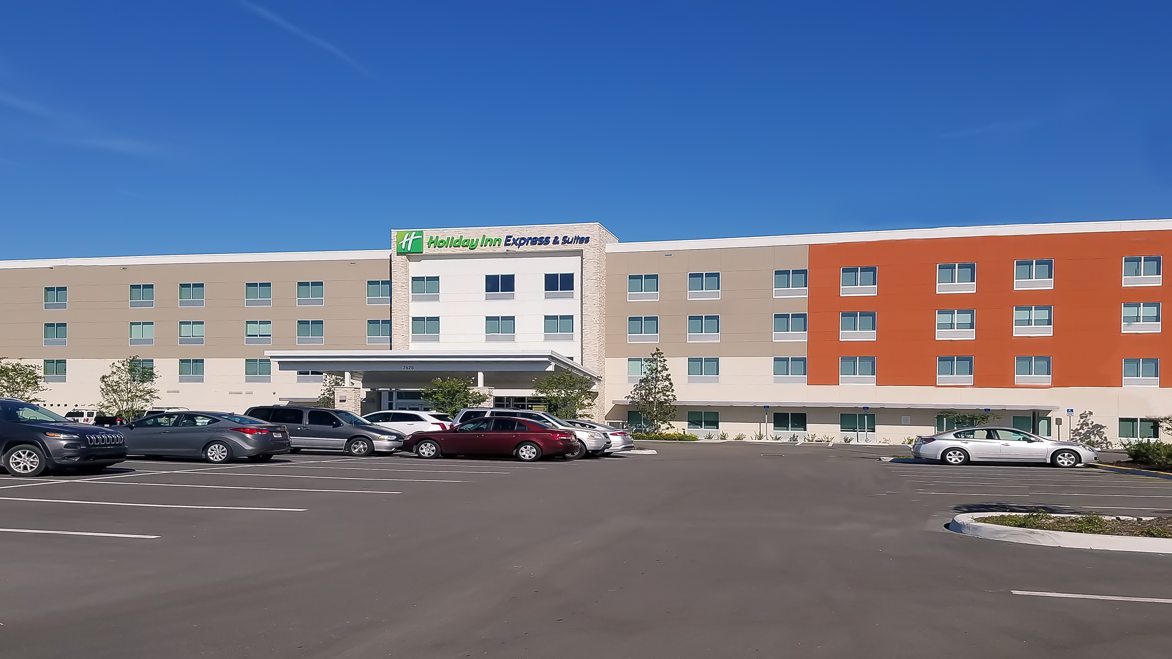 Howard Johnson Express Inn And Suites