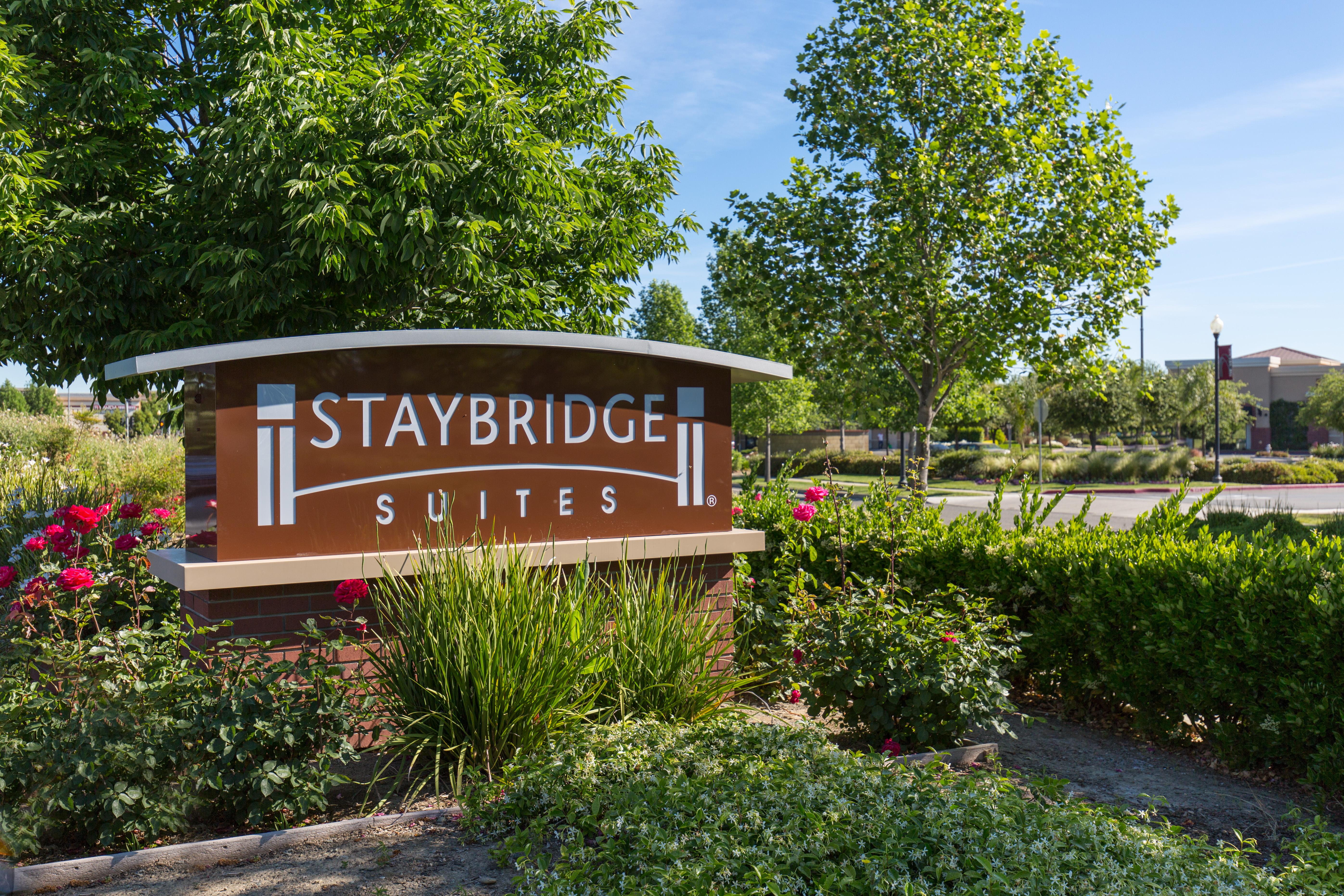Staybridge Stes Sac Airport