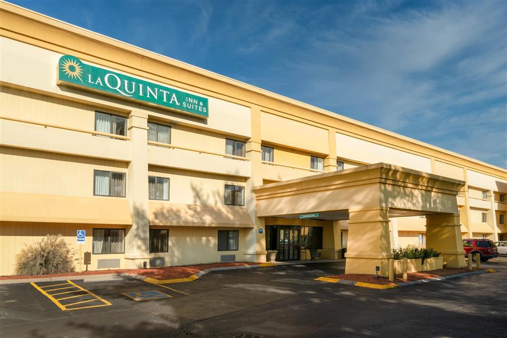 La Quinta Inn And Suites Nashville Airport