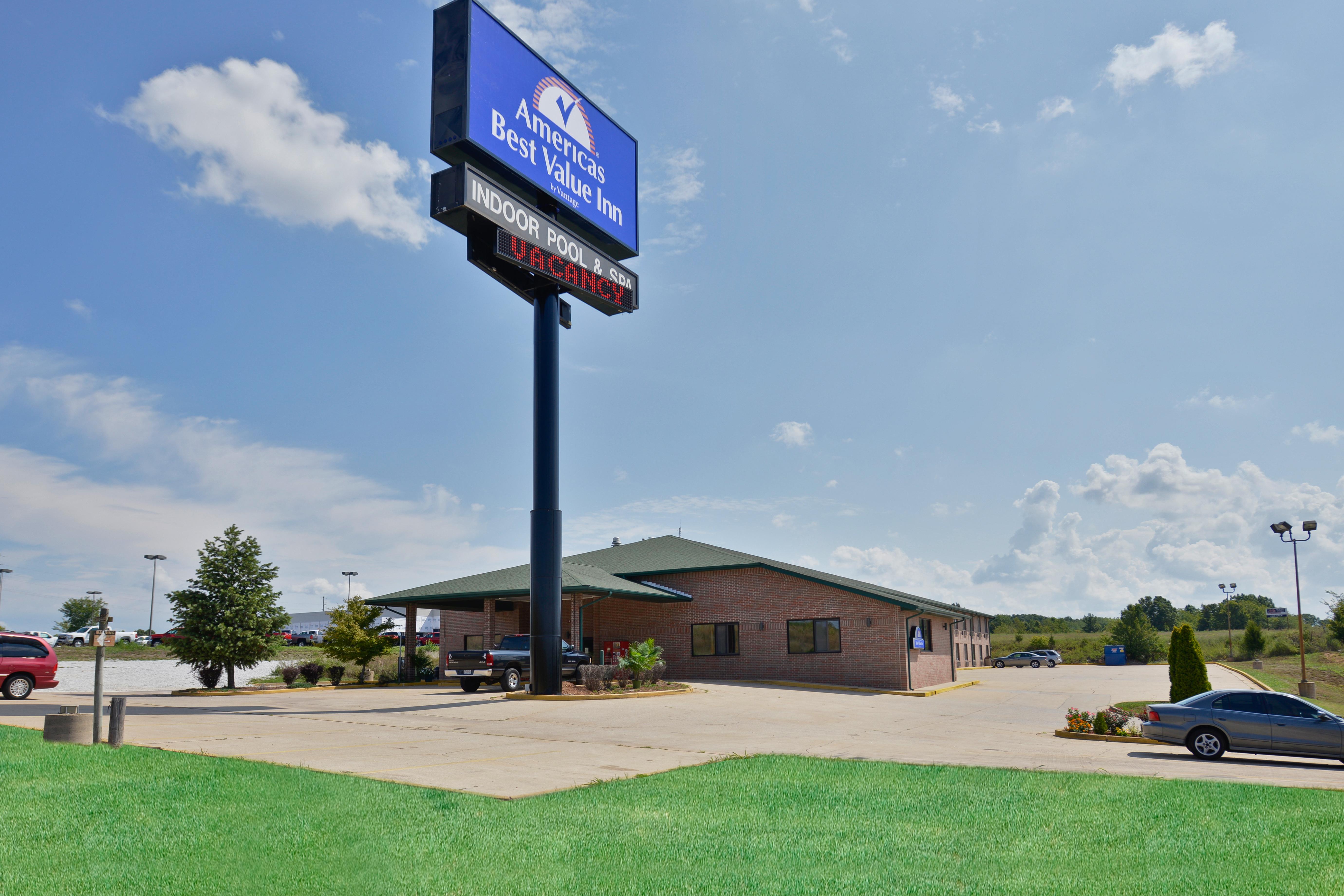 Americas Best Value Inn - Ozark