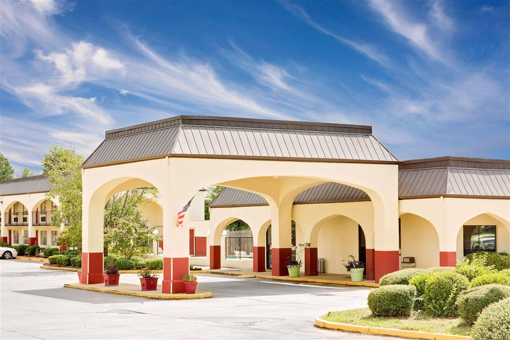 Days Inn And Suites Starkville